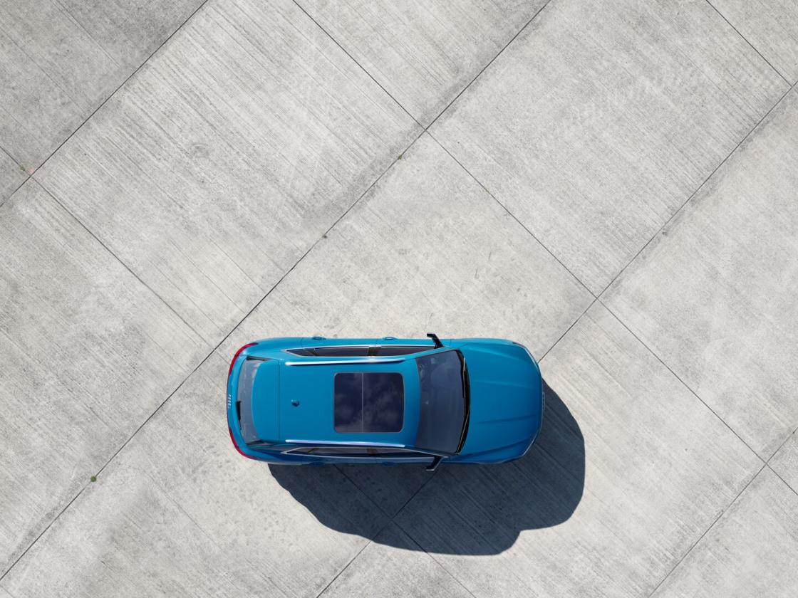 2006-audi-etron-quattro-09.jpg