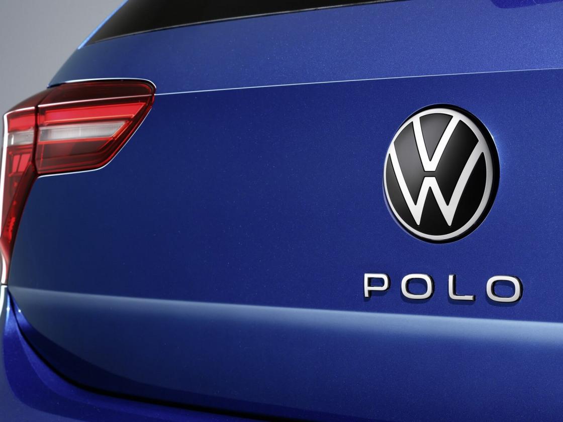 2104-volkswagen-polo-012.jpg