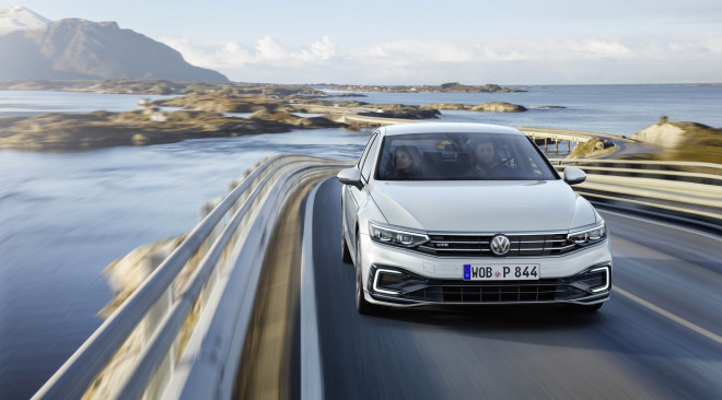 201908-Volkswagen-Passat-07.jpg