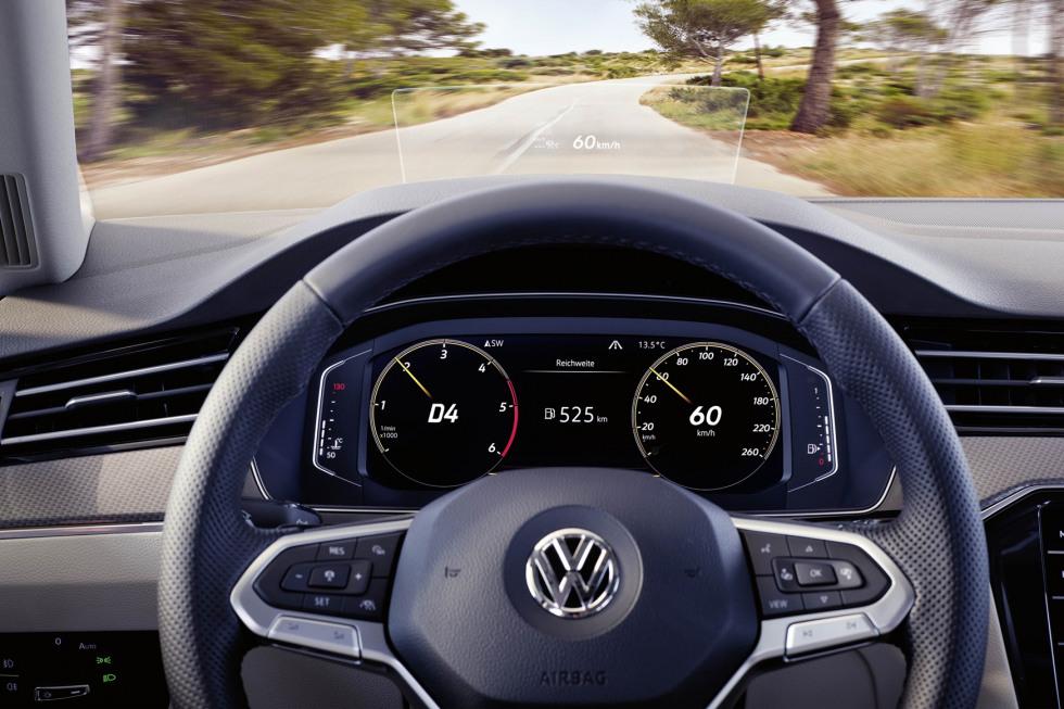 201908-Volkswagen-Passat-05.jpg
