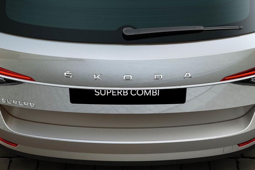 201909-skoda-superb-combi-09.jpg