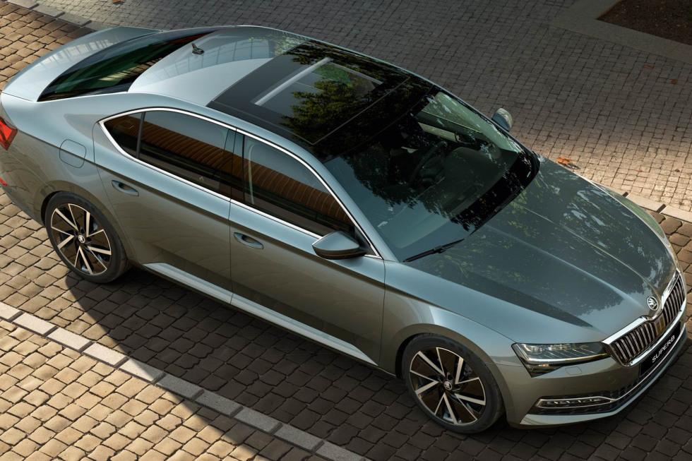 201909-skoda-superb-hatchback-14.jpg